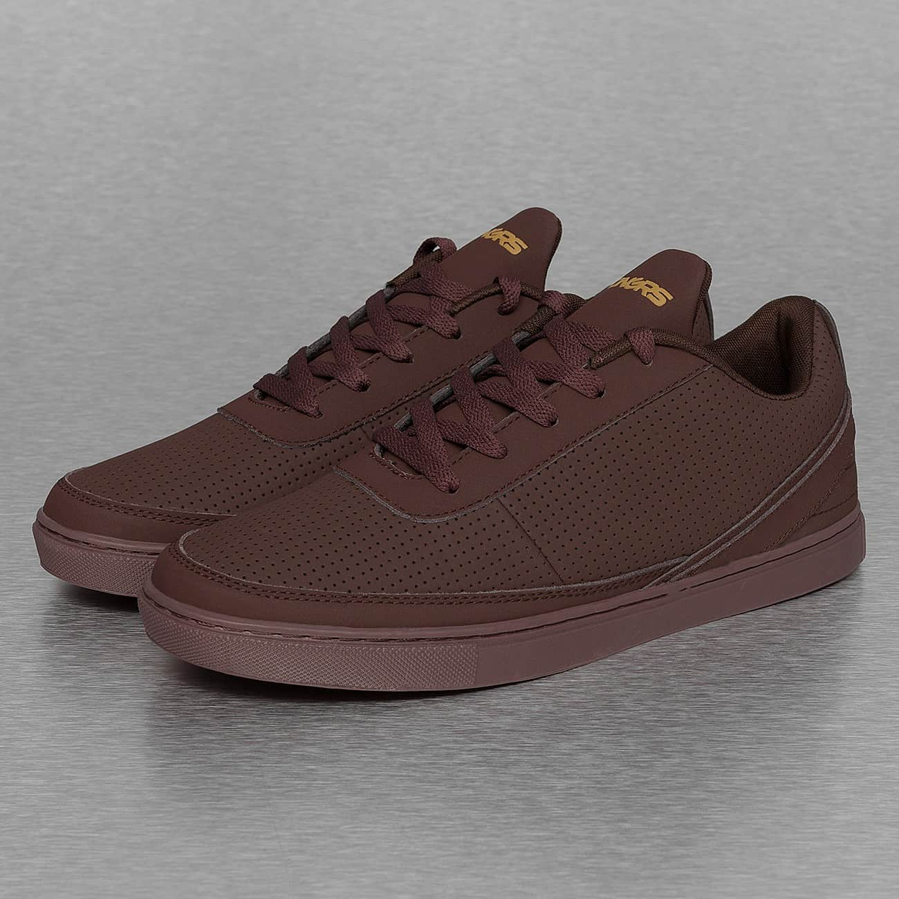 streetwear fashion online shop dangerous dngrs perforated sneakers burgundy auf rechnung. Black Bedroom Furniture Sets. Home Design Ideas